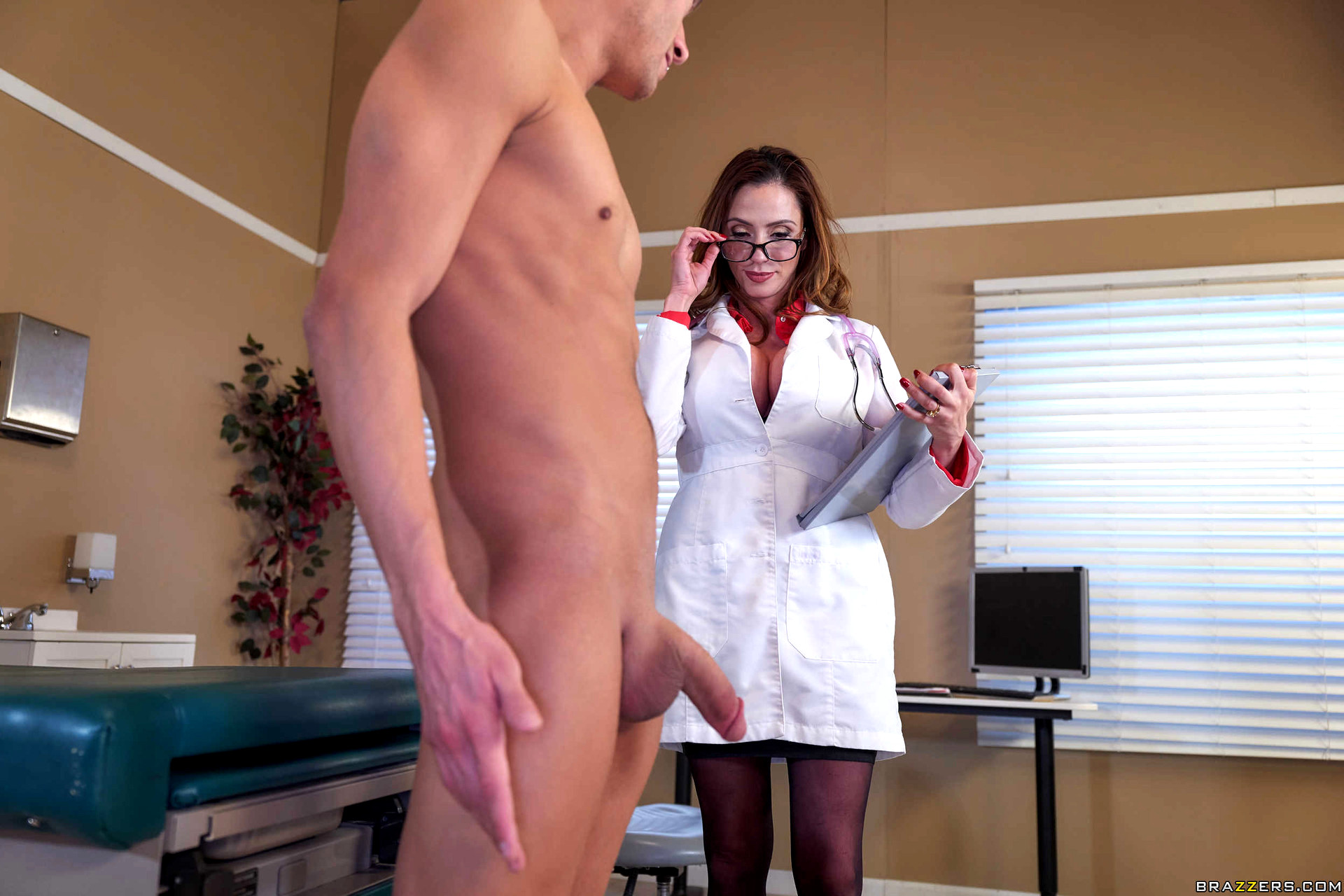 Ariella ferrera doctor adventures