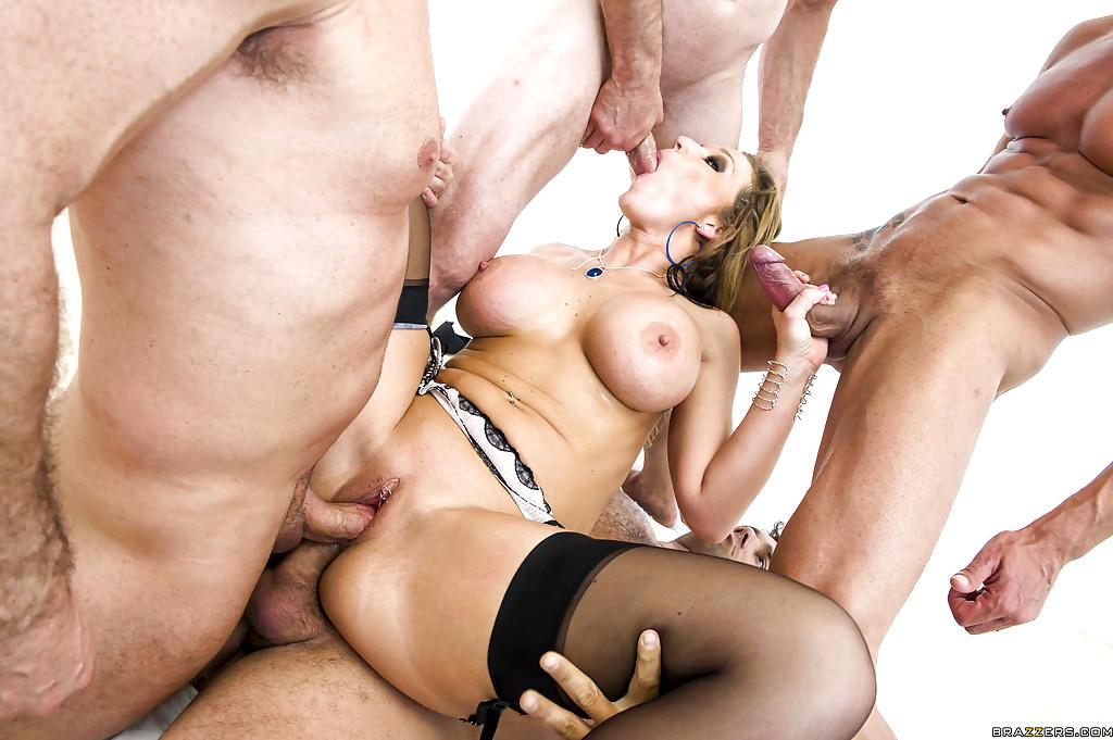 Nikki sexx blowbang