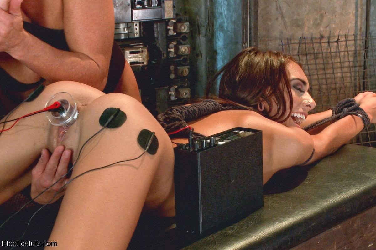 Babe Today Electro Sluts Ariel X Janice Griffith Autumn ...