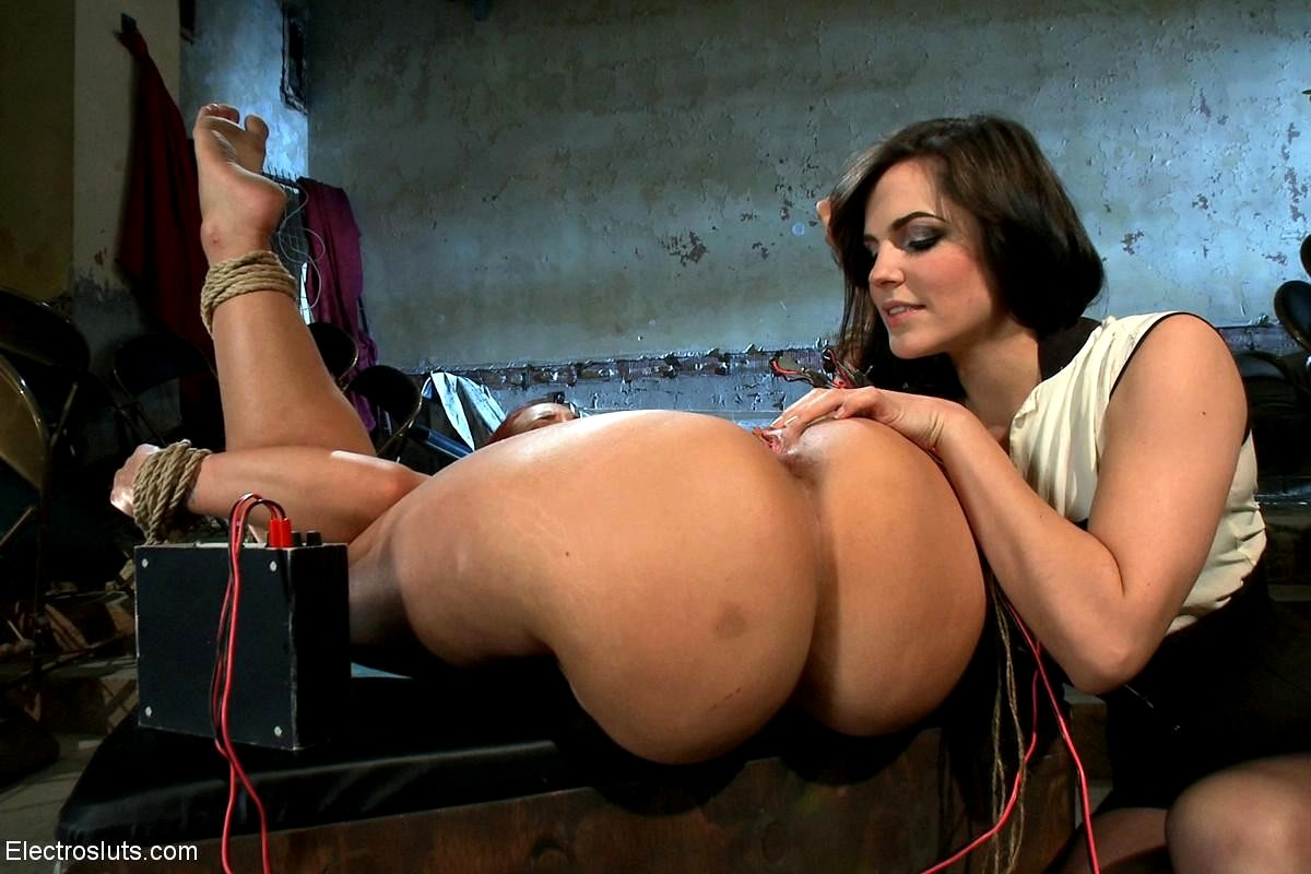 Kelly divine lesbian porn-3171
