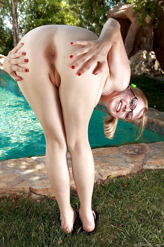 Big saggy tits on ola - 3 part 4