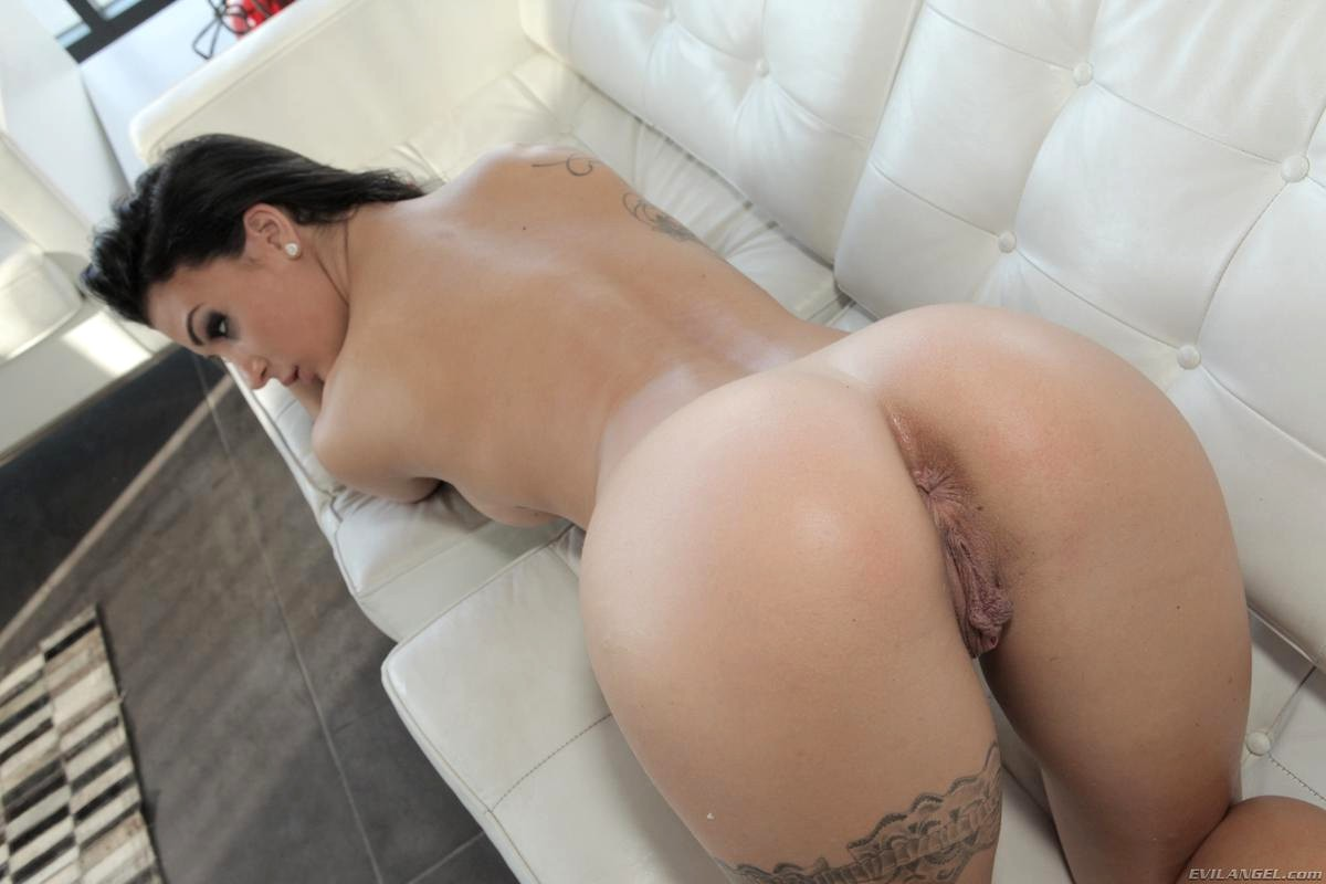 Hot sexy cortana with big tits