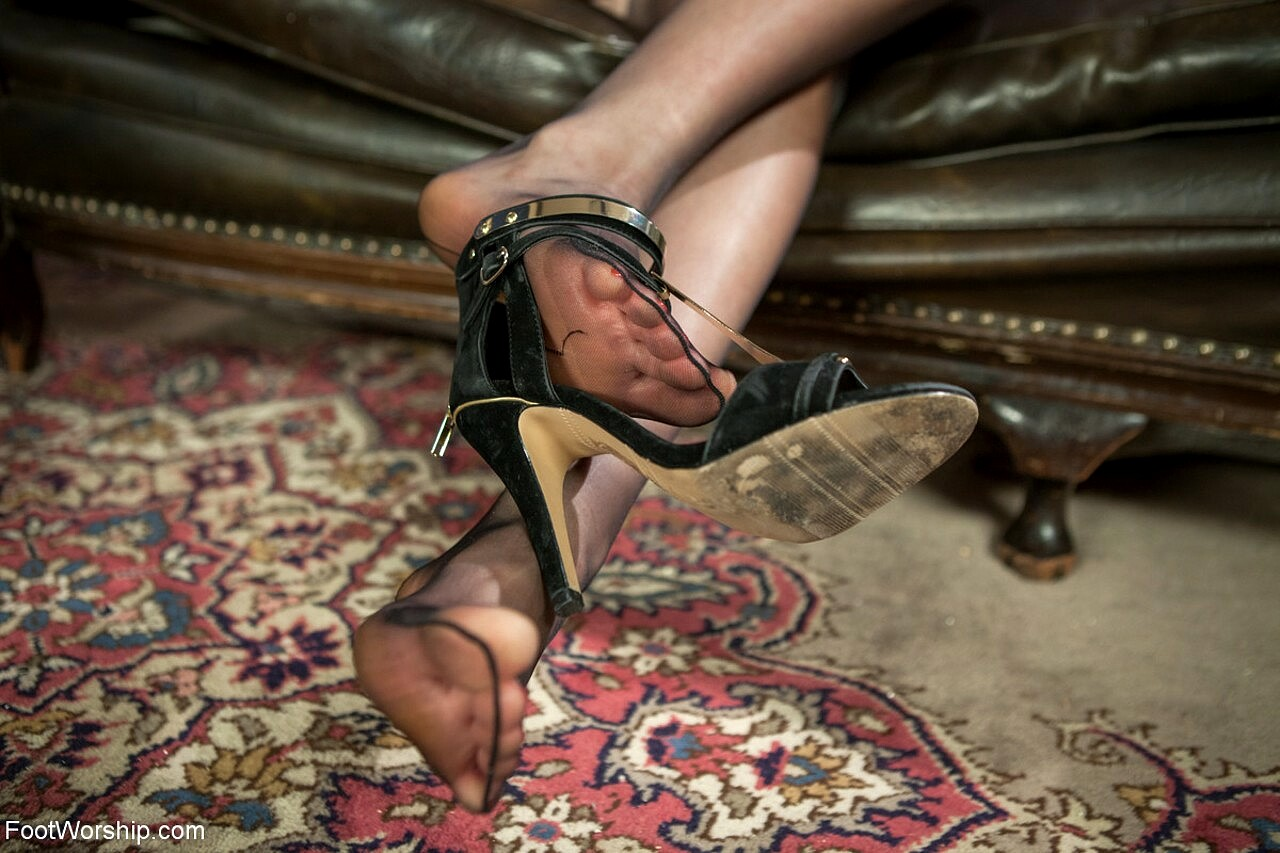 Babe Today Foot Worship Lance Hart Maitresse Madeline -4605