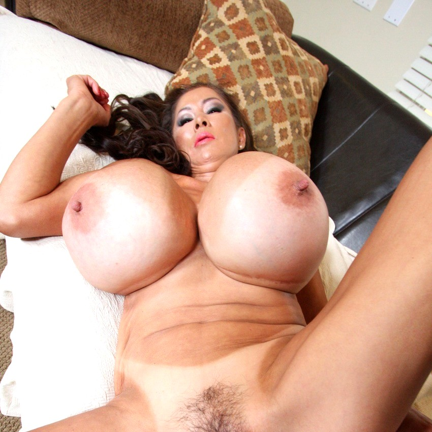 Boobs Mom Sexy