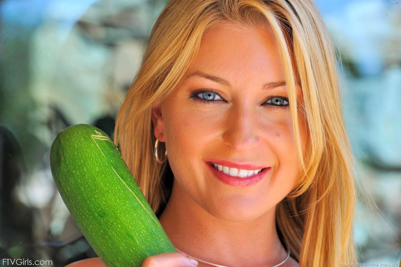 Amanda hillwood nude