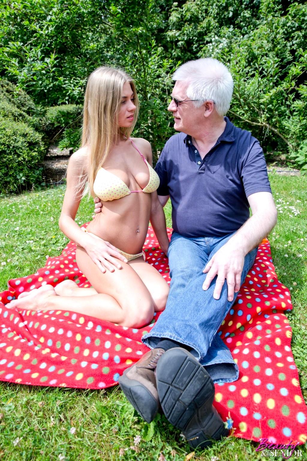 shannon elizabeth naked sex