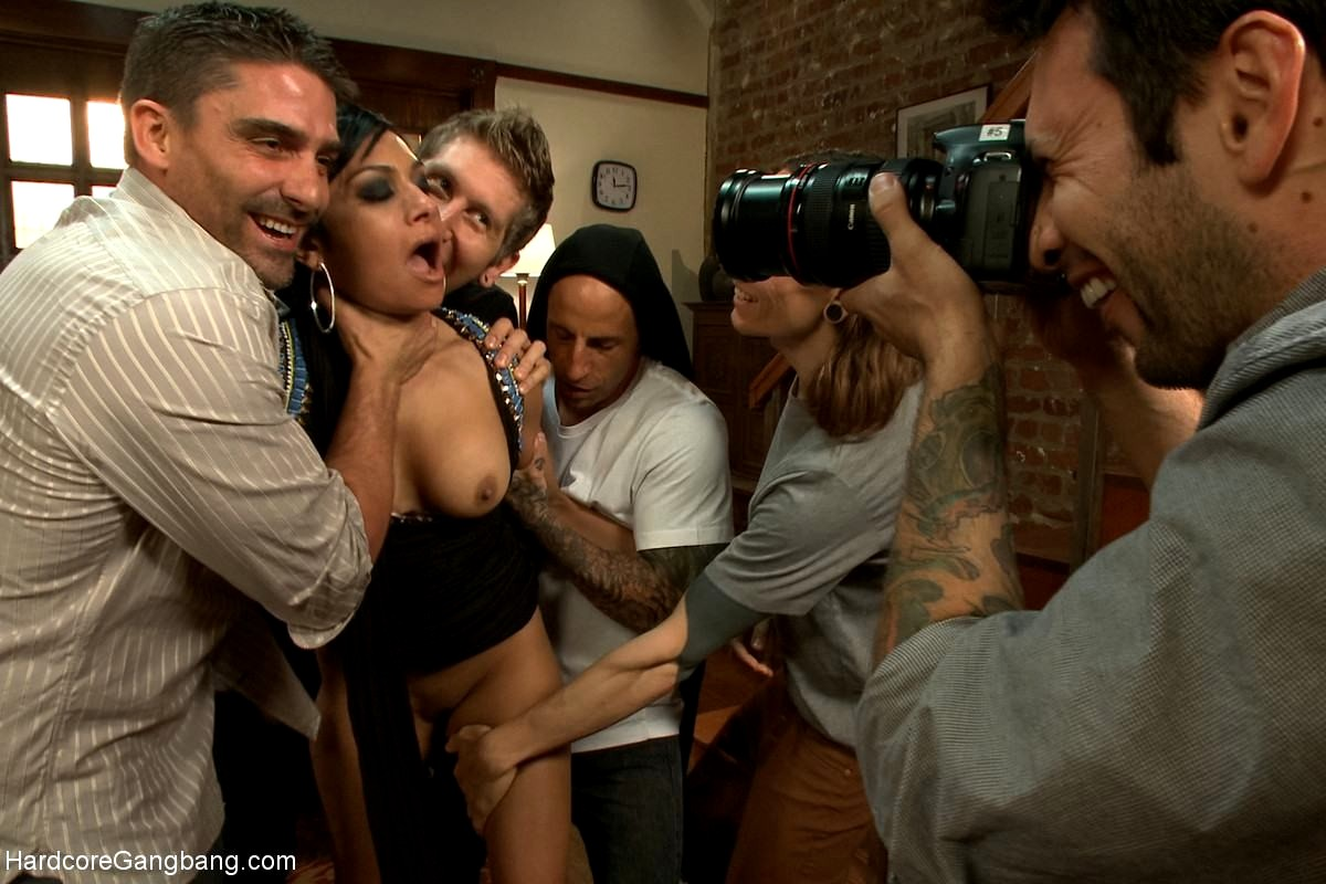 There's ever gangbang porn mobile vidéo... Ces