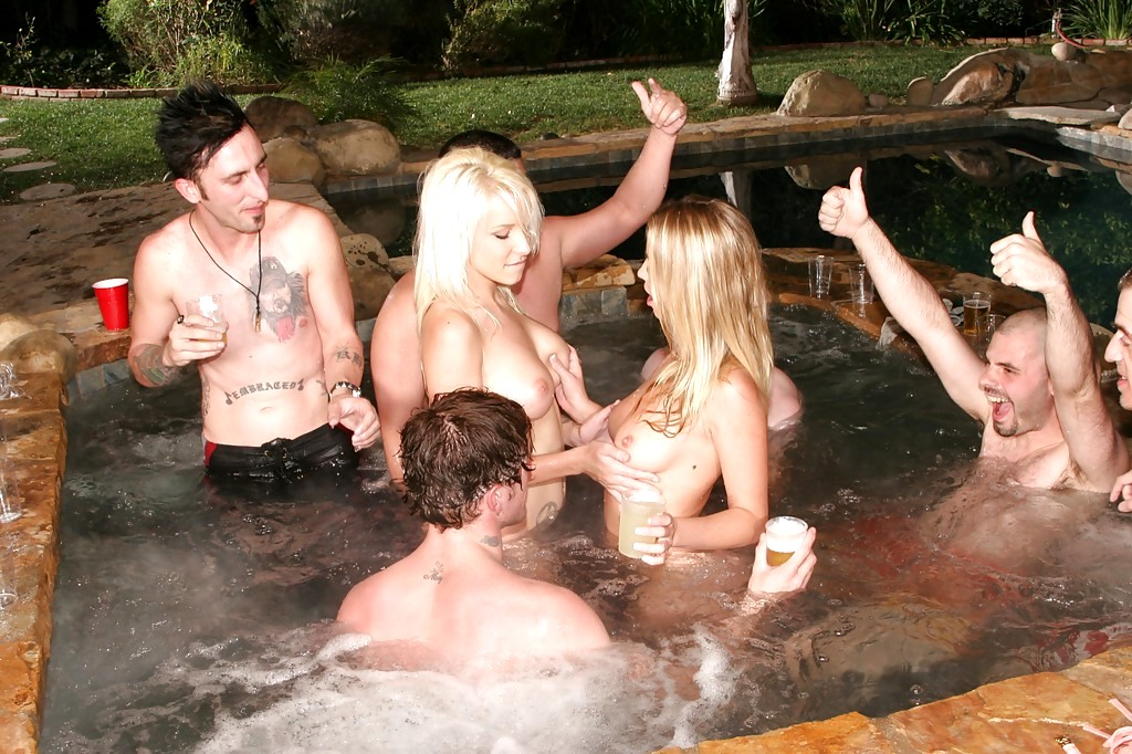 Hardcore partying pool, naked wet cunt