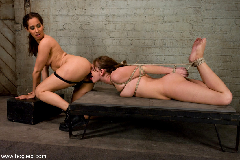 Wwe nude woman wrestler