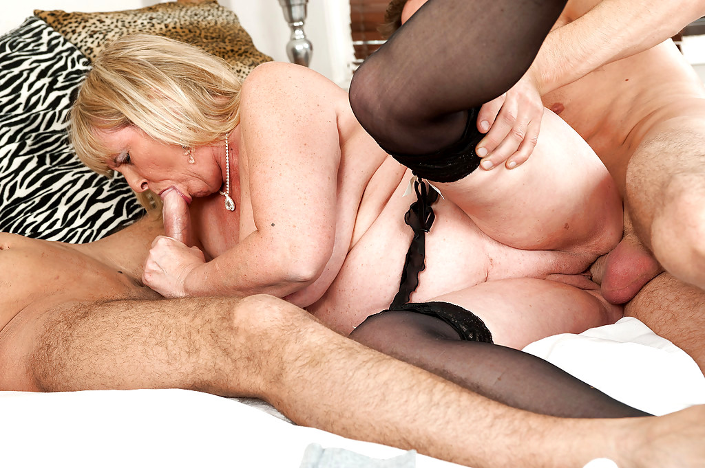 Boozed big tits blonde granny gets double dicked on the table mature