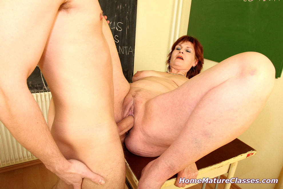 Uk milf sophie in fuck me shoes - 3 part 1