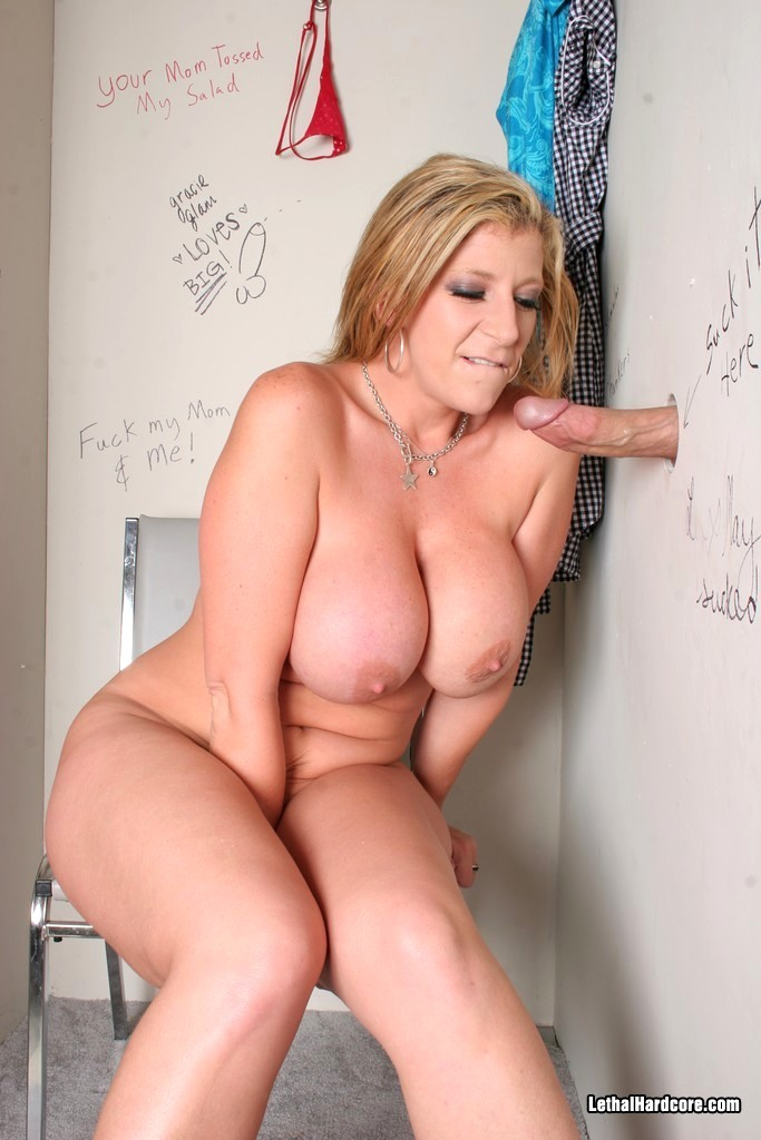 celebrity boob slips
