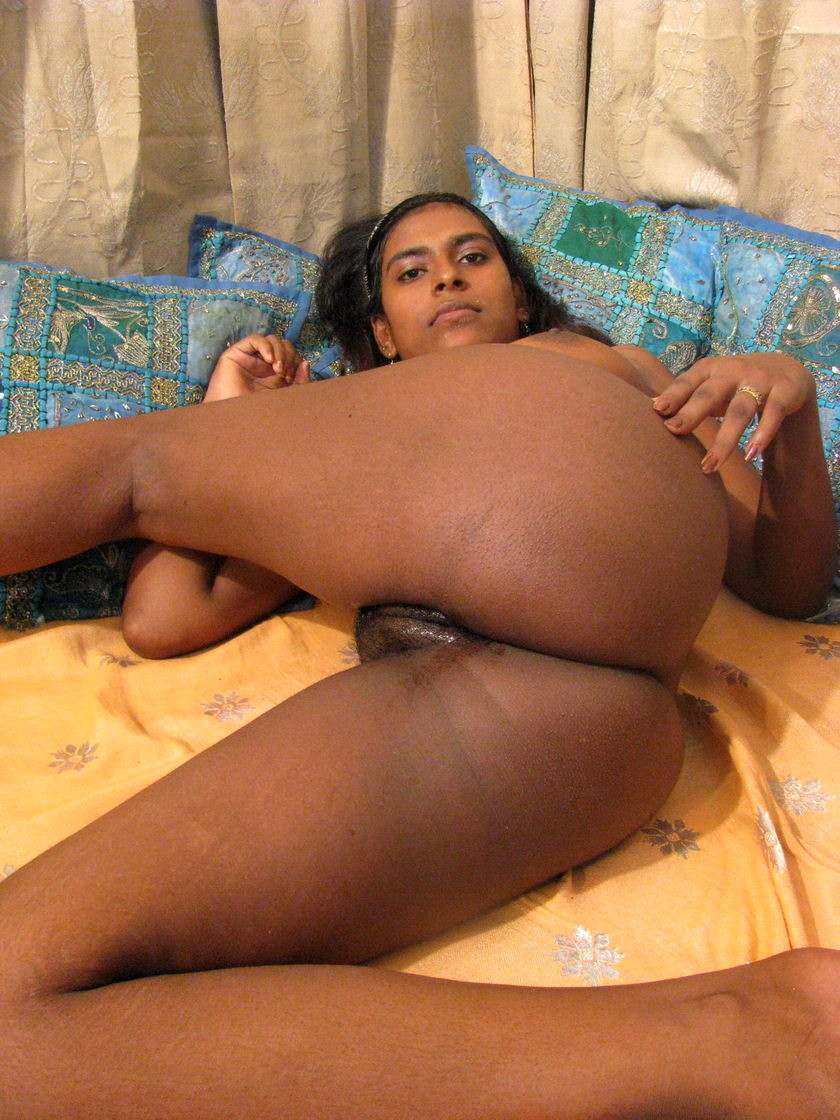 sexy naked indian butt