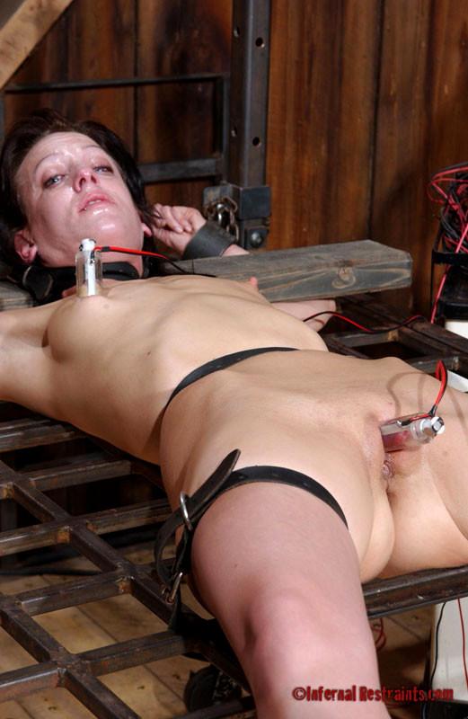 Barbary rose pain slut in extreme bondage suffers