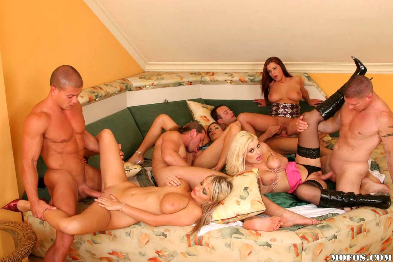Дом с необычными развлечениями порно видео — pic 6
