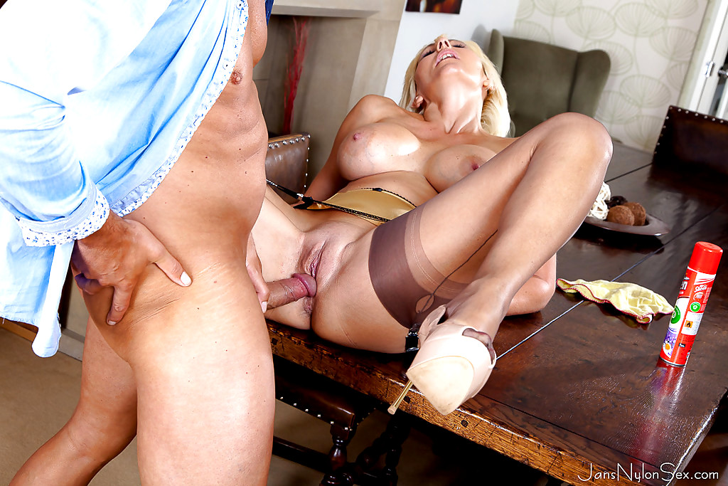 Babe Today Jans Nylon Sex Jan Burton Thousands Of Cowgirl -4033