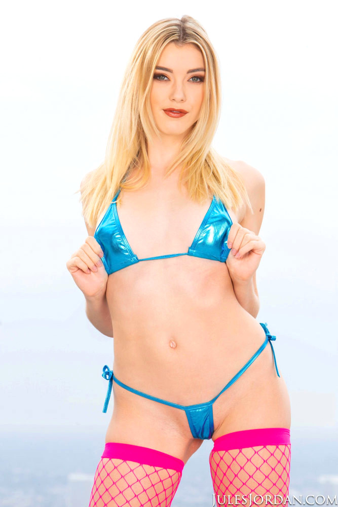 Anny Aurora Free