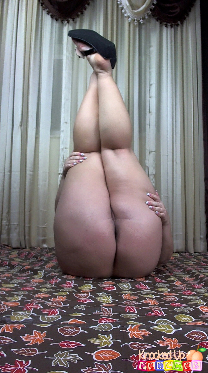 thick thighs porn