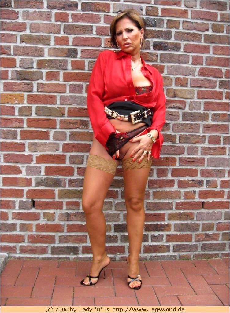 B legs world lady