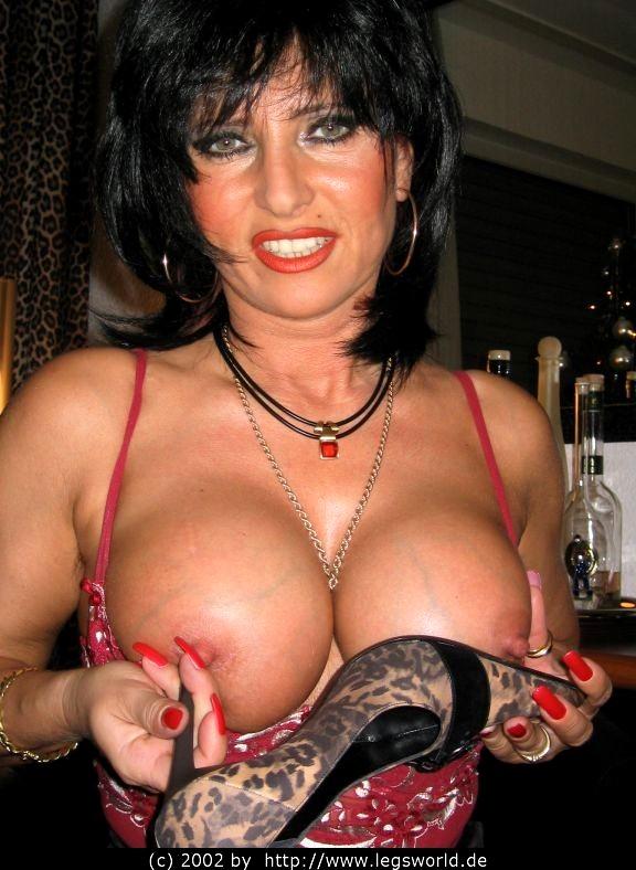 Free porn natural tits