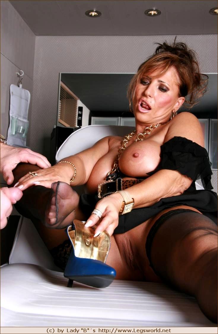 lady-barbara-fetish-photos