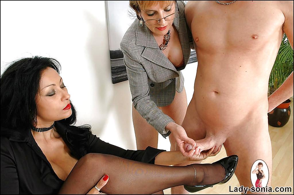 lady-sonia-handjob-nylons-tube