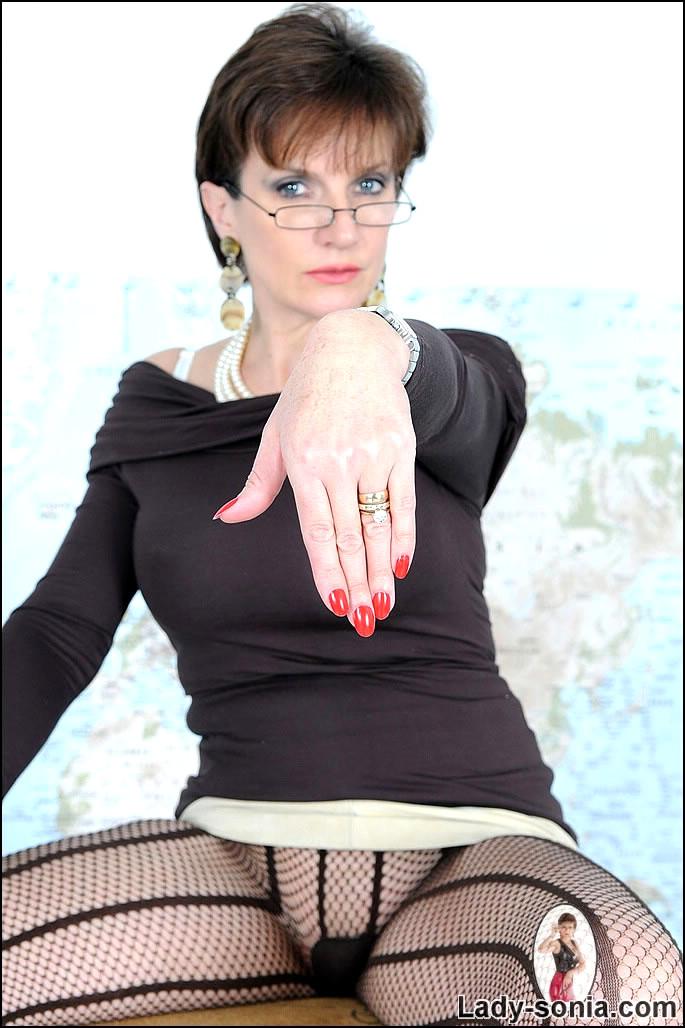 Empflix lady sonia pantyhose