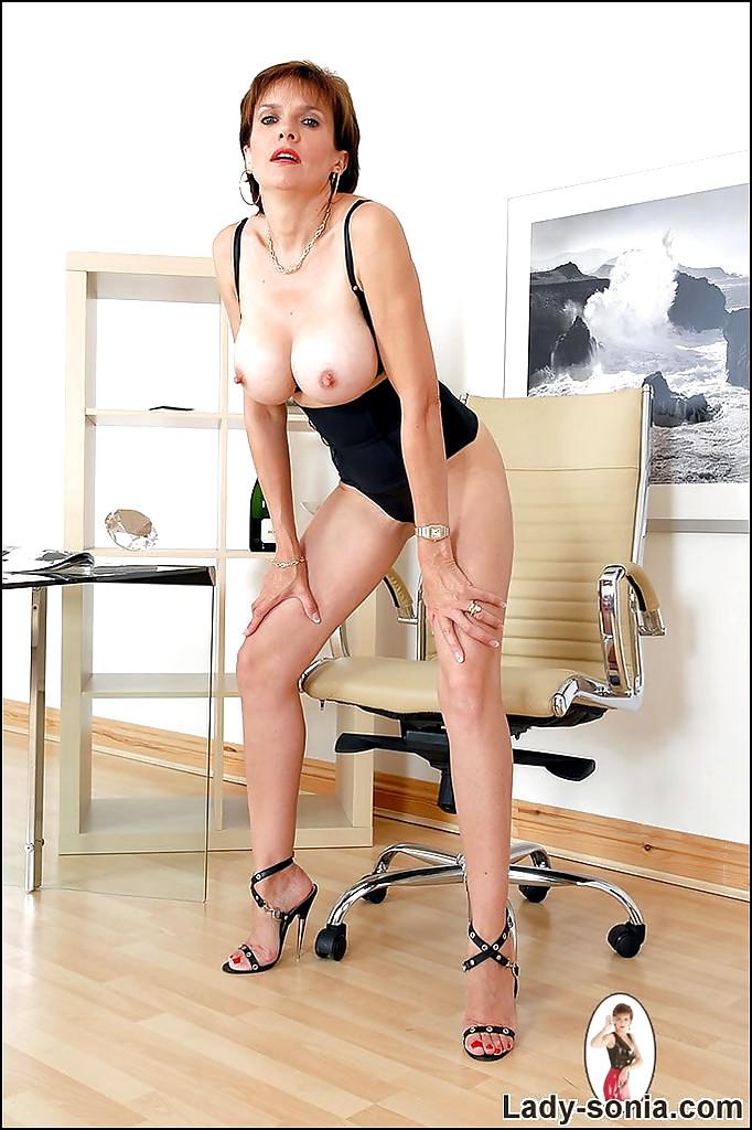 maureen larazabal nude