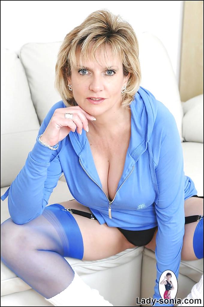 mature webcam lady sonia