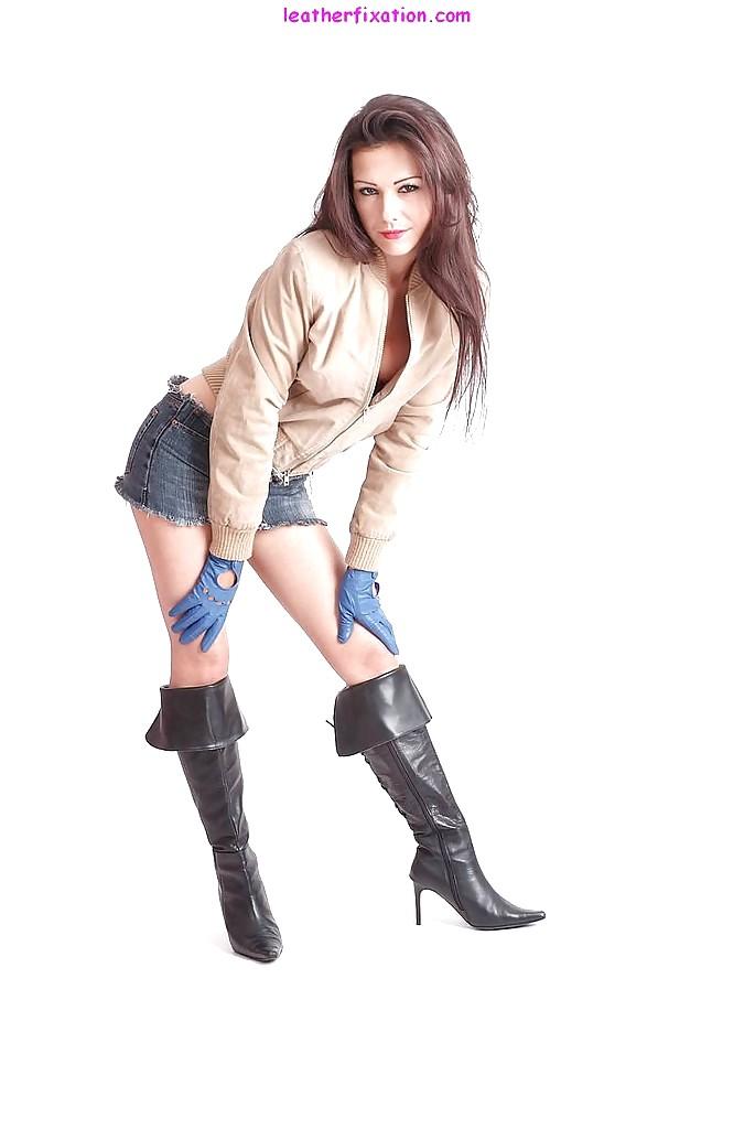 Babe Today Sunny Leone Sunny Leone Amazing Booty Xxx Body