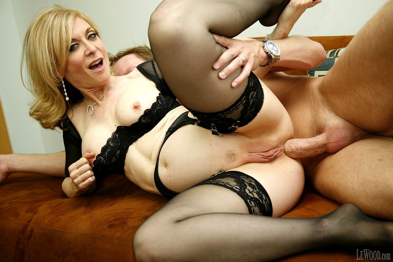 Busty milf nina hartley didn't come for a simple massage, but a special one with a cock picture