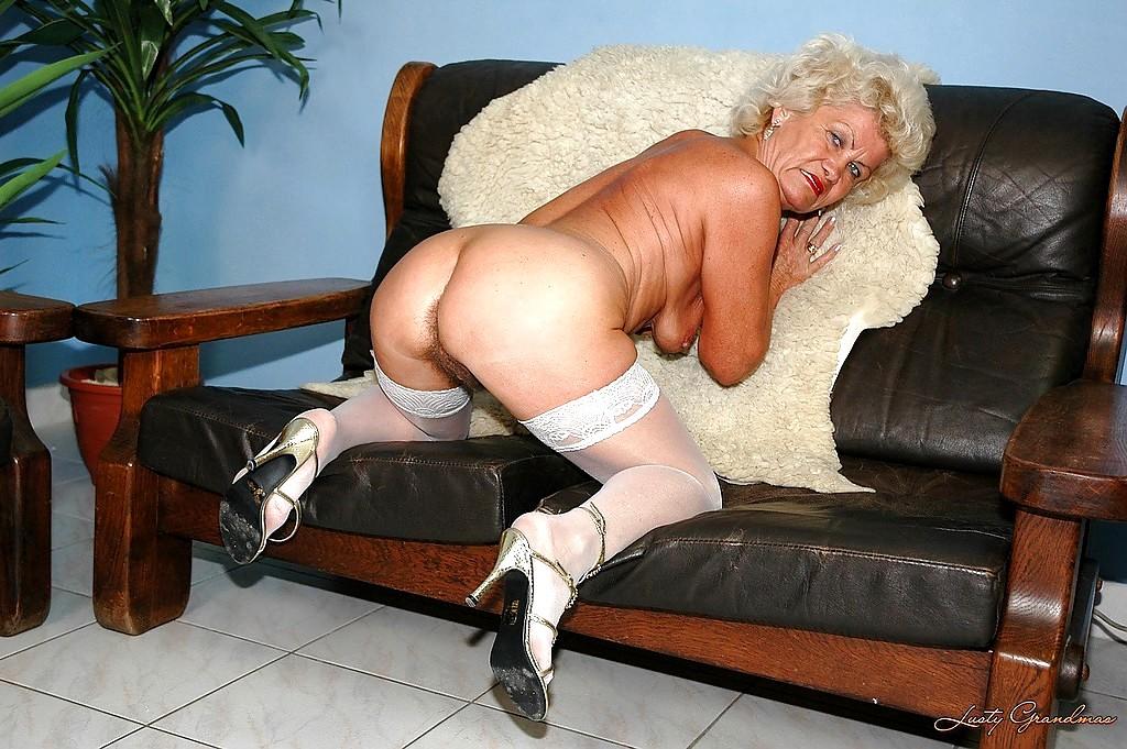 огромная коллекция порно бабушек в чулках