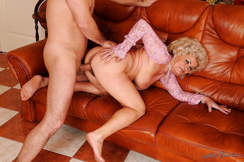 Смотреть порно со старушками онлайн — pic 3