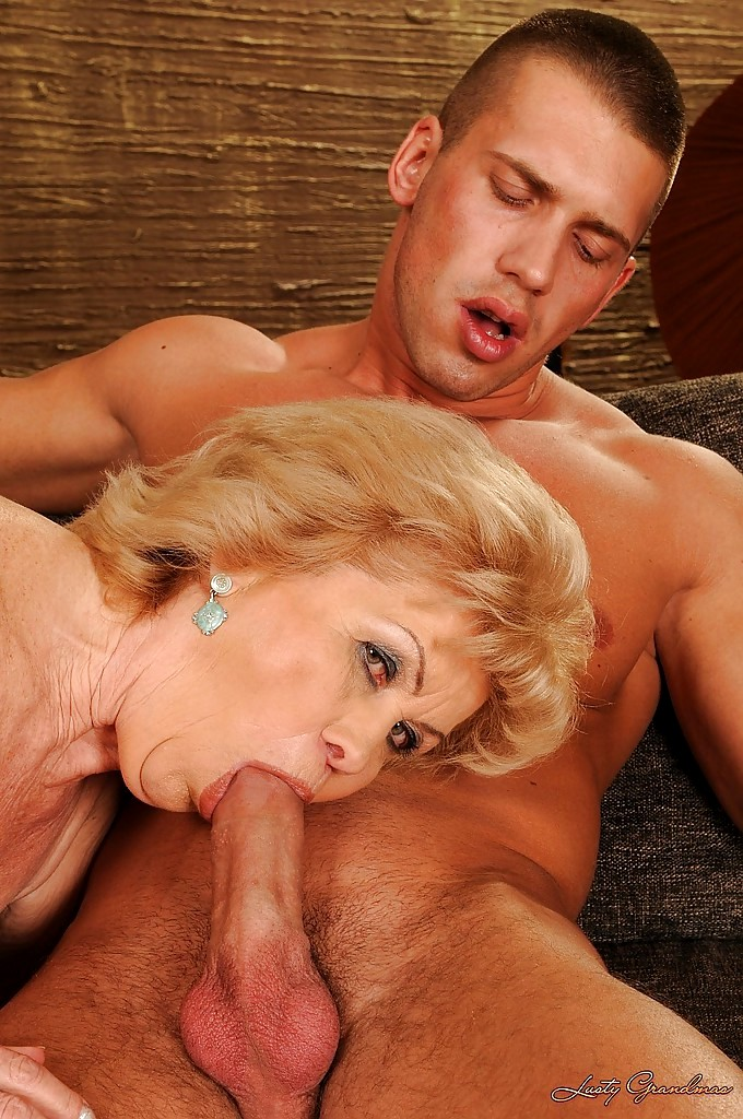 Video grandma give blowjob, milf hot tub sex