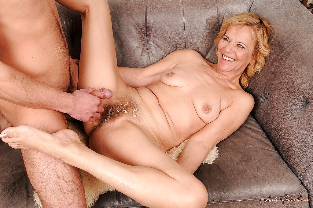 old-milfs-fucked-heather-graham-naked-in-boogie-nights
