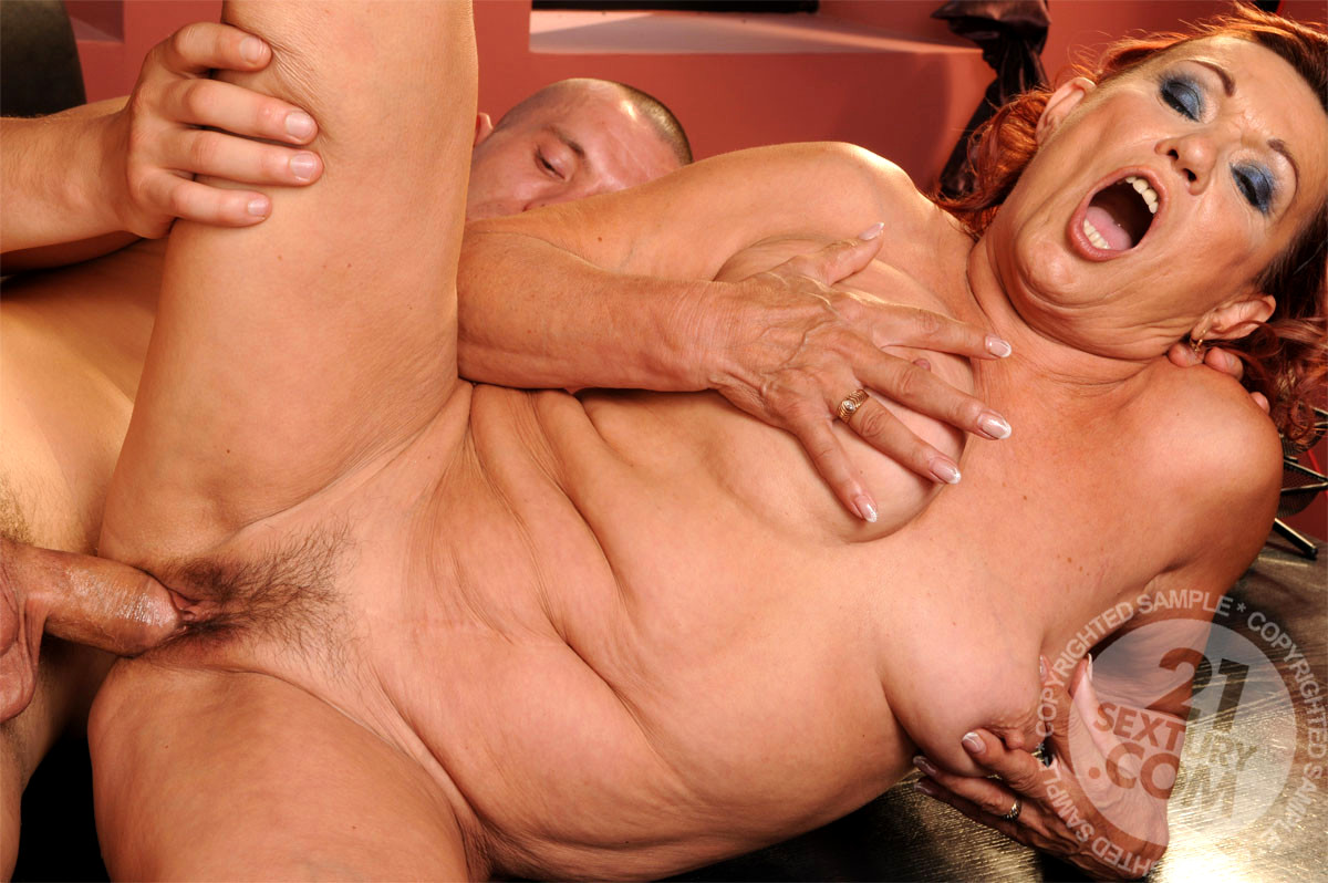 Milf bondage anal