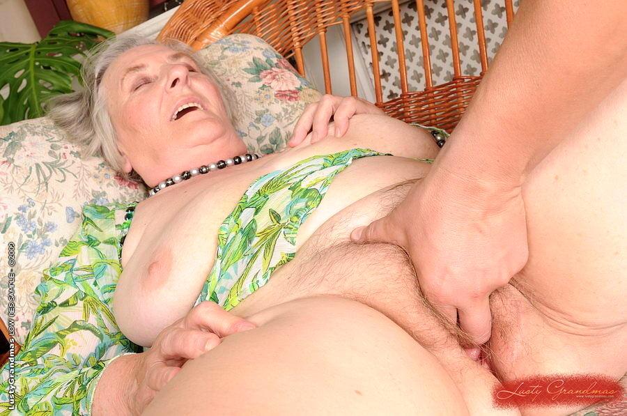 Порно с русскими старушками на мобильный