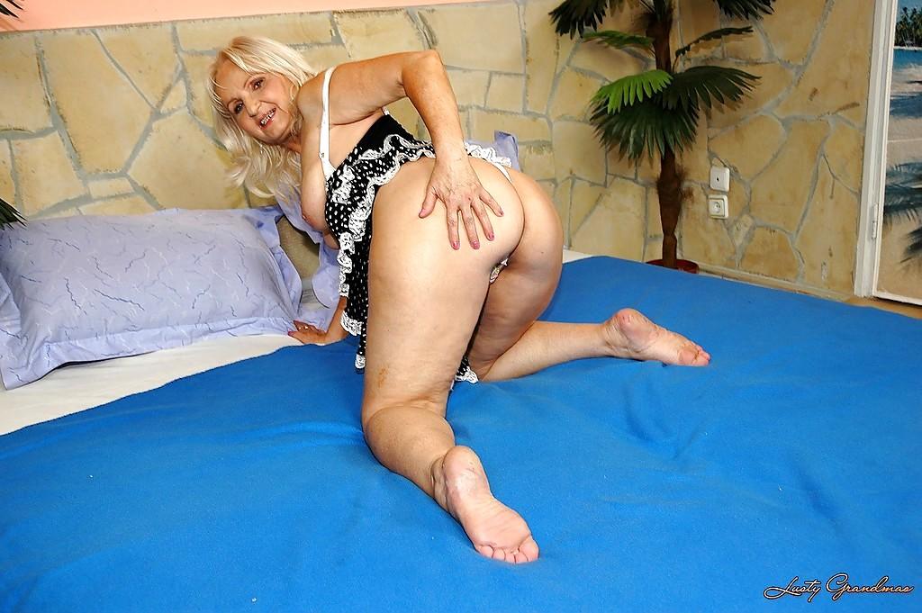 Lusty grandmas porn pictures
