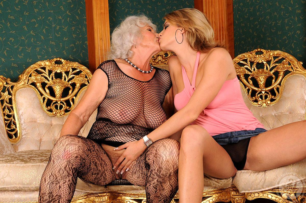 Granny Young Lesbian Porn