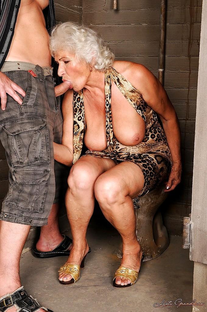 Эротика про старушек — photo 12