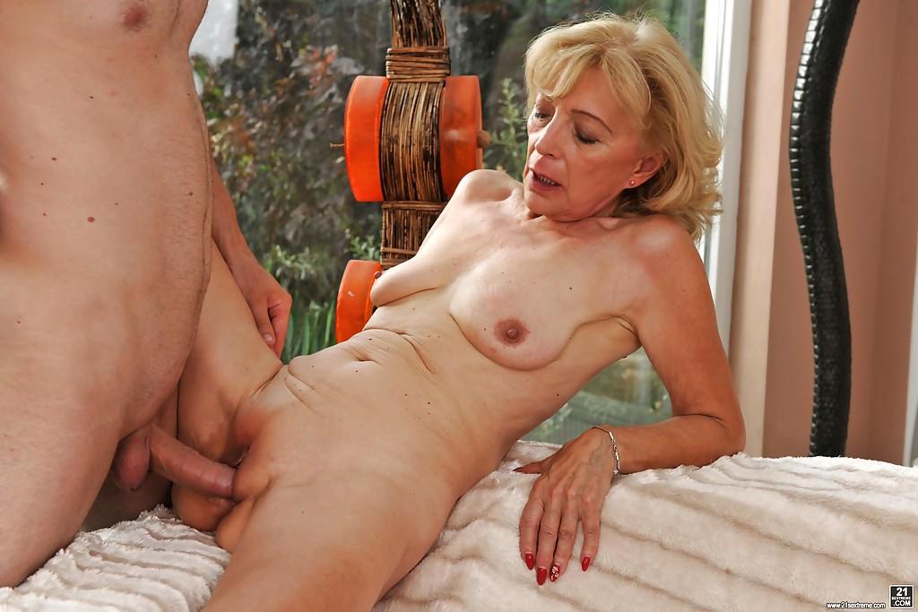 woman cunts receiving cocks