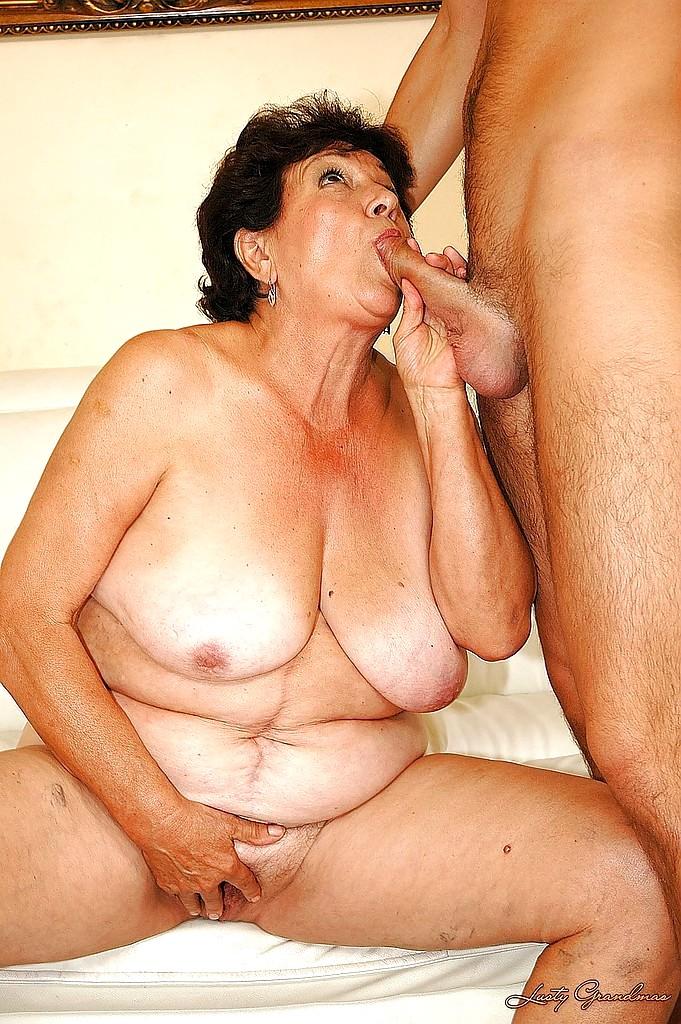 Бабка Отсосала Порно