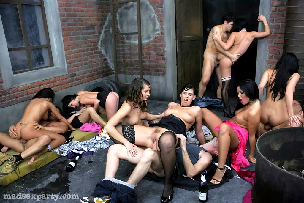 mad-sex-party-porn-girls-american