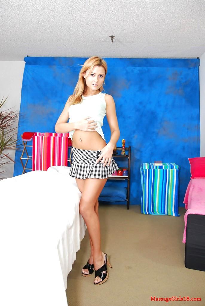 Film wife in swinger room