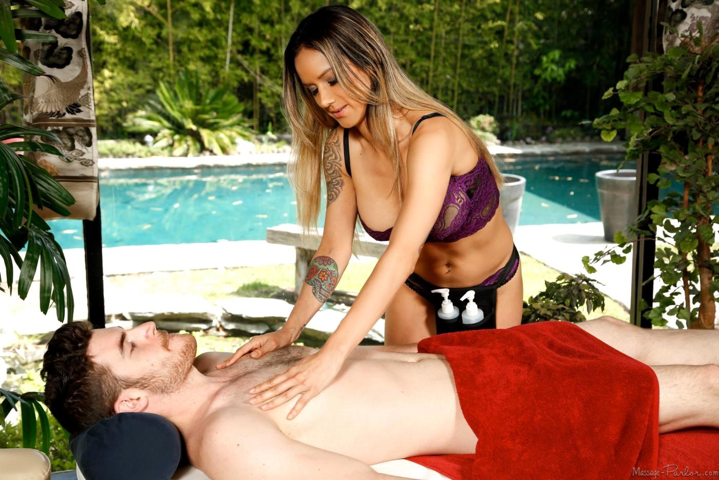 nadia filt massage i tåstrup