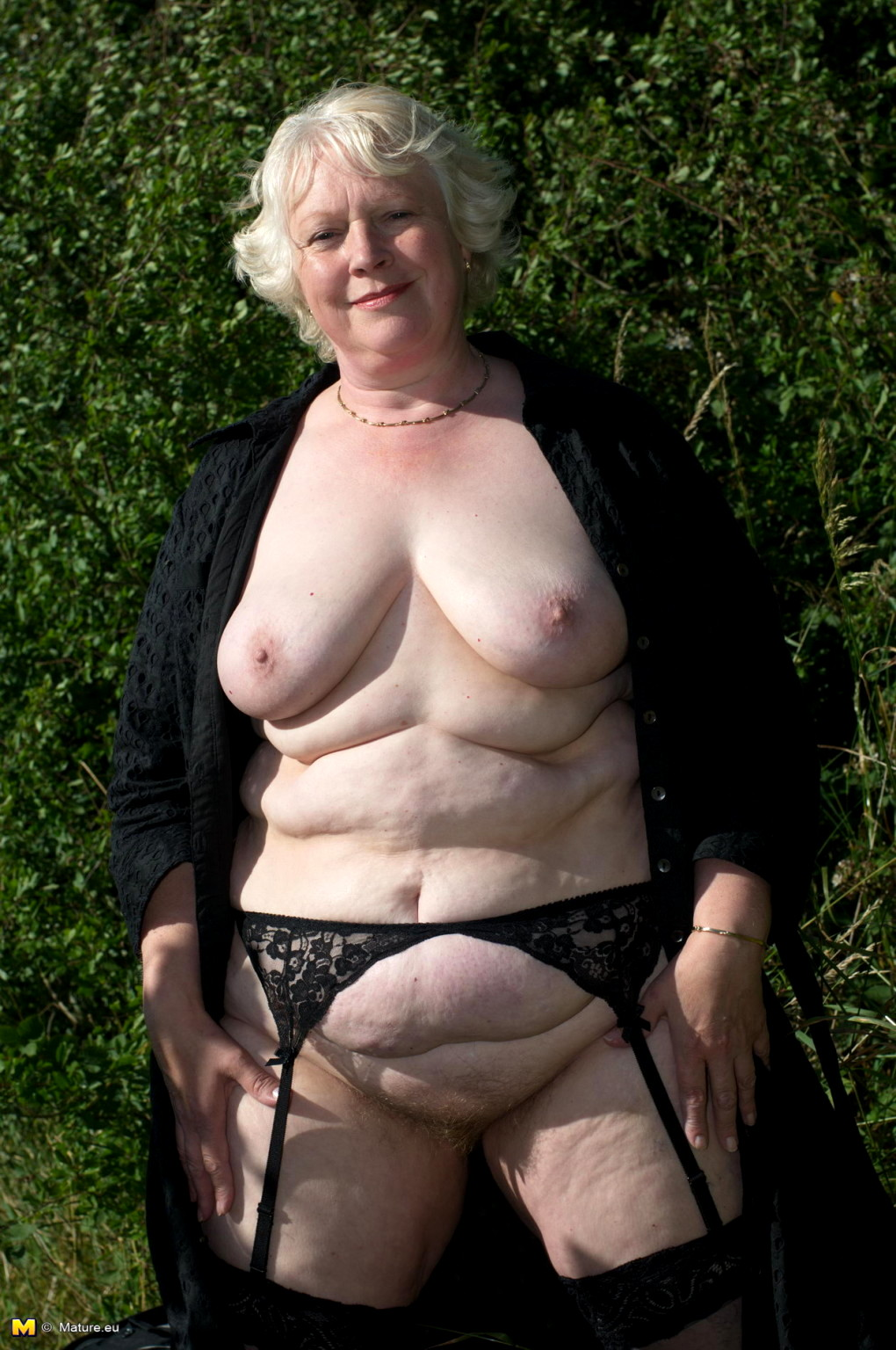 Women plump pics mature