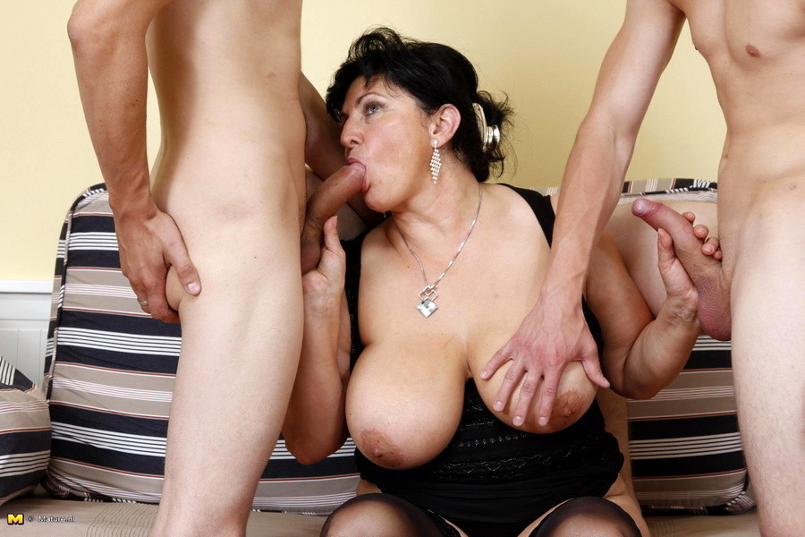 Mature vaginas with trailers