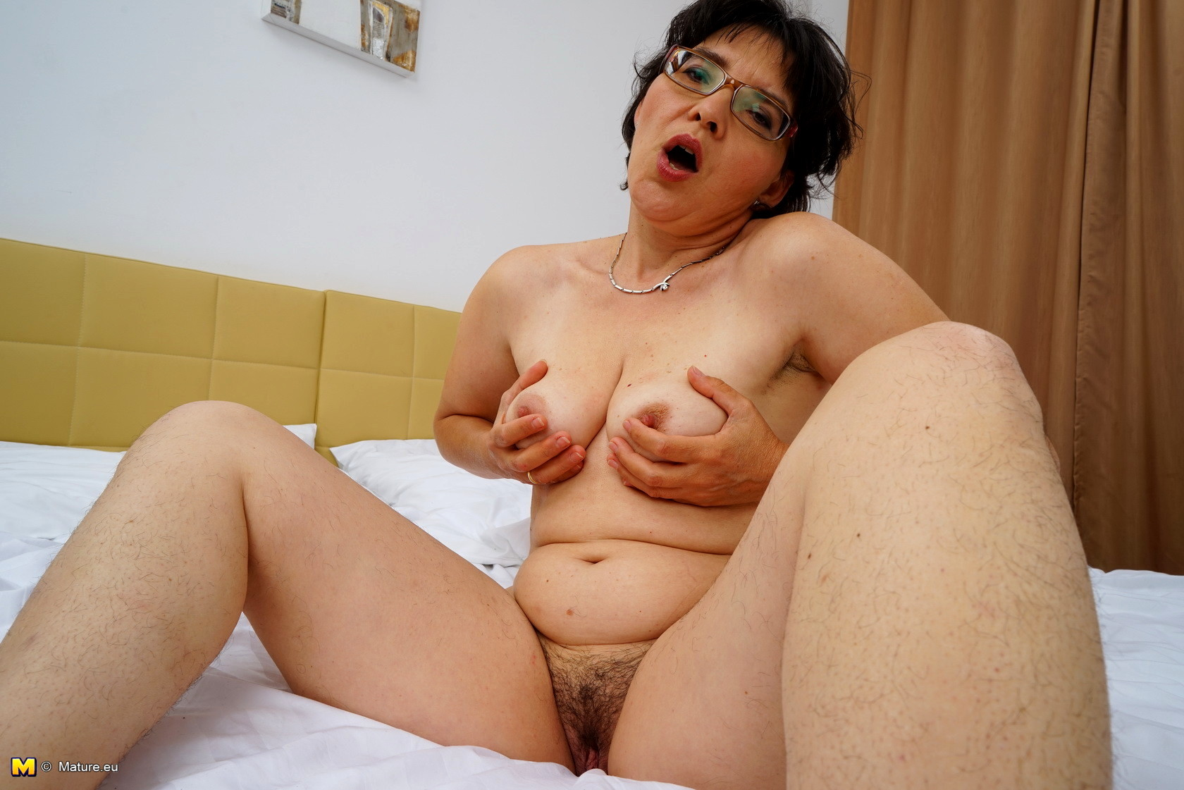 Sexy and fuck girls in bed