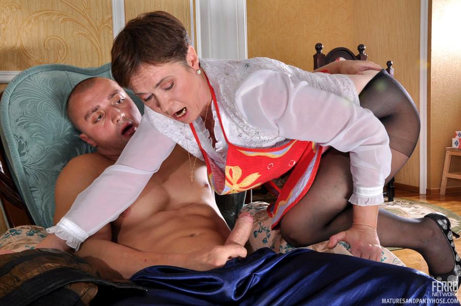 порно русское со служанкой со зрелой цвет