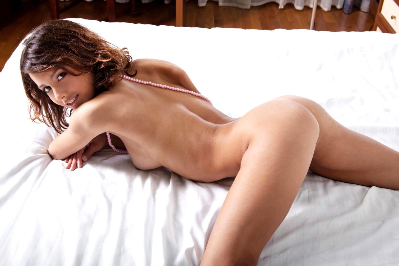 Free erotic women videos